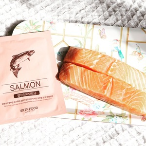 Medium skinfood beauty in a food salmon sheet mask